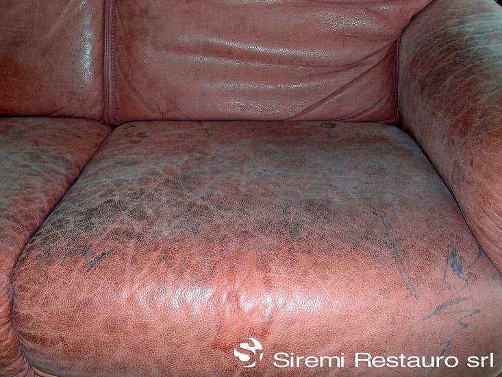 Divano in pelle rovinato idee per la casa - Pelle del divano rovinata ...